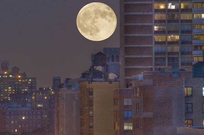 La Cina lancia la sua Luna artificiale, sostituirà la luce stradale