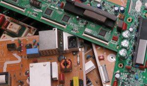 Raee i rifiuti elettronici da riciclare assolutamente