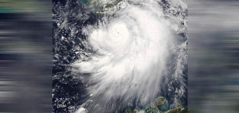La Gran Bretagna deve fare i conti con la tempesta Dennis