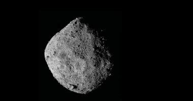 OSIRIS-REx si perde i pezzi de asteroide Bennu