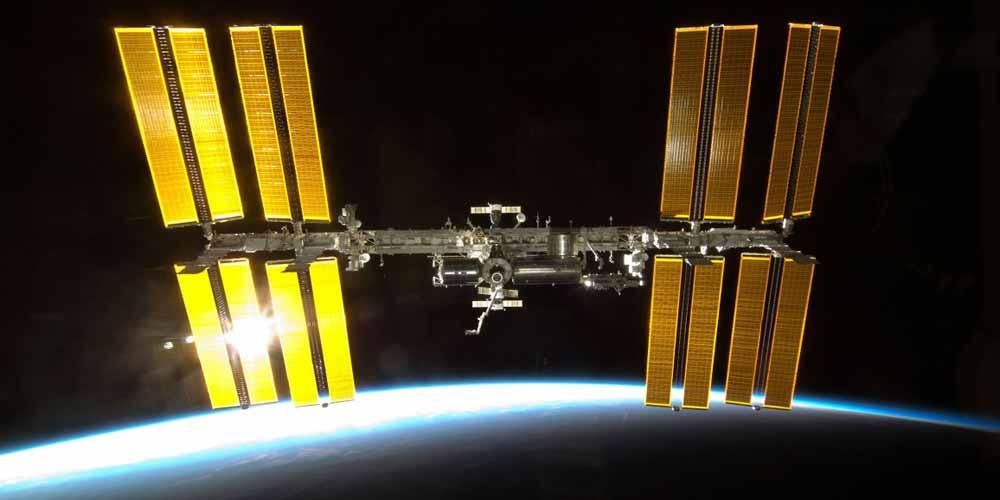 Musk ammette Portare i russi sulla ISS un onore